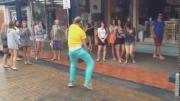 คลิป ฮ่า ๆ มันส์ไม่แคร์สื่อ!! เต้น Dude หุหุ