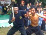 ศิลปะ โชว์ความหนังเหนียว ที่อินโดนีเซีย