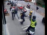 คลิป เล็งรถหรู มอเตอร์ไซค์ Ducati ปล้นหน้าด้าน กลางวันแสกๆ