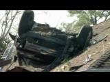คลิป ! รถยนต์เสียหลัก พุ่งขึ้นหลังคาบ้าน