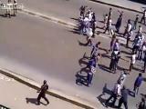 กลุ่มผู้ประท้วงอียิปต์ แย่งปืนทหารได้ บอกได้คำเดียว หมอไม่รับเย็บ