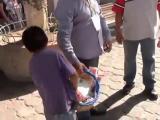 จนท.เม็กซิโก รังแกเด็กขายของหาเงินไปโรงเรียน