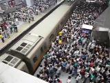 ชั่วโมงเร่งด่วนของรถไฟใต้ดิน ในปักกิ่ง จีน