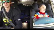 ดริฟท์รถให้ลูกตื่นเต้น เล่นกันตามประสาพ่อลูก