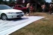 คลิปฮา ล้มกระเเทกใส่รถบุบ!