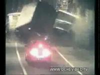 อุบัติเหตุเหนือธรรมชาติ ภาค.1(รถบรรทุกชนกันปริศนาในอุโมงค์)