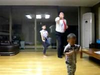 ครอบครัวสุขสันต์ คุณพ่อ คุณลูก ( การเต้นกิจกรรมยามว่าง )