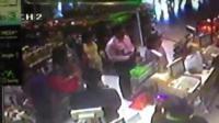 คลิปชาวต่างชาติทำร้ายร่างกายหญิงไทยที่สุวรรณภูมิ ตัวแรก