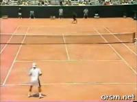 คลิป แอนดี้ ร็อดดิก สุดยอดลูกตบสลาตัน ลูกเทนนิส จมสนาม!!