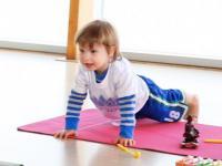 Lincoln James yoga class โยคะ เด็กสอนโยคะ