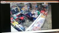 คลิป โจ๋ บราซิล ปล้นยิงปืนลูกซองใส่เจ้าของร้านชำ