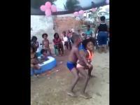 เด็กเต้นเพื่ออนาคต โตไปรุ่งแน่ไอ้หนู !