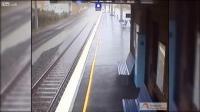Time Lapse น้ำท่วมเต็มรางรถไฟ