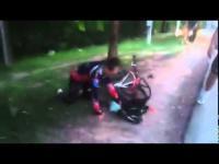 คลิปสลดสาวขับเก๋ง พุ่งชนก๊วนจักรยานตาย 3 ศพ