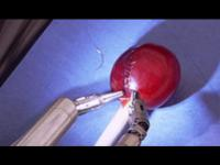 คลิป หุ่นยนต์ผ่าตัด ทำได้นุ่มนวลมาก ทำได้แม้กระทั่งเย็บเปลือกองุ่น