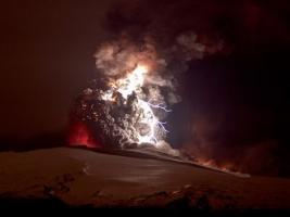 ภูเขาไฟระเบิด ที่ ไอซ์แลนด์ กับ ปรากฏการณ์ธรรมชาติ สวยสยอง