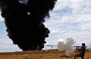 พันเอกมูอัมมาร์ กัดดาฟี ลิเบีย สงครามกลางเมือง สู้รบ กองกำลัง  โจมตี น้ำมัน