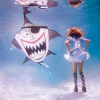 สุดยอดด! รูปภาพ Alice in 'Waterland' โปรเจคภาพใต้น้ำ สุดอลังการ !
