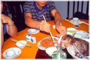 คนกินสมองลิง! อาหารระดับชนชั้นสูง