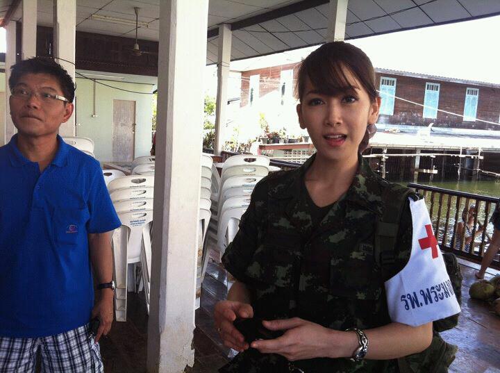 รูปภาพ ทหารไทยใจเป็นหนึ่ง สดุดีทหารไทย ช่วยเหลือภัยน้ำท่วมทุกท่าน