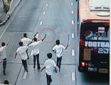 นักเรียนนักเลง! ยกพวกถล่มอริบนรถเมล์สาย129 ก่อนชักปืนยิงใส่ถูกผู้โดยสารบาดเจ็บ