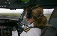 อึ้ง นักบินหญิง