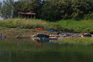 ผวา! พบกลุ่มมือปืนรับจ้าง-ผู้ต้องหาคดีร้ายแรง หนีซุกป่าอุทยานฯลำน้ำน่าน