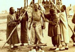 ภาพที่หายากของนักโทษกบฏนักมวย สมัยราชวงศ์ชิงตอนปลาย